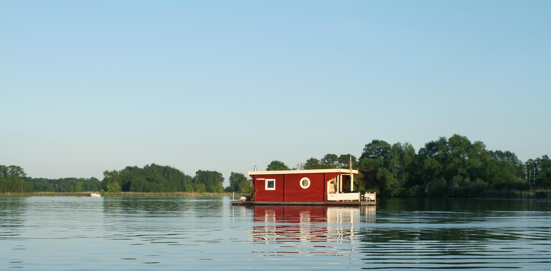 urlaub auf hausboot urlaub auf dem hausboot mecklenburgische seenplatte urlaub auf hausboot. Black Bedroom Furniture Sets. Home Design Ideas